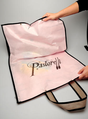 Chehol-Holder-for-Leotard-Pastorelli